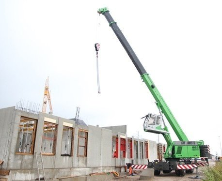 mobile telescopic cranes